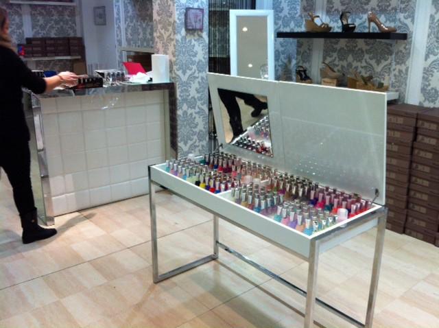 mobilier magasin achat de meubles et deco pour magasin et boutique. Black Bedroom Furniture Sets. Home Design Ideas