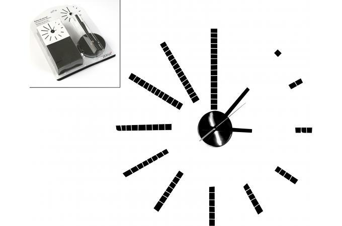 horloge murale noire en eva futura horloge design pas cher. Black Bedroom Furniture Sets. Home Design Ideas