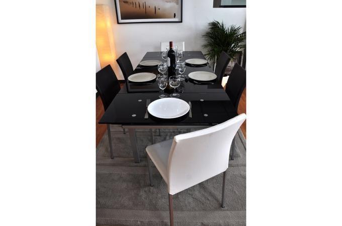 Table repas extensible en verre noir 120 200 paros table for Table a manger verre noir