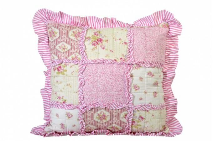 coussin patchwork en tissu rose coussins pas cher declik deco. Black Bedroom Furniture Sets. Home Design Ideas
