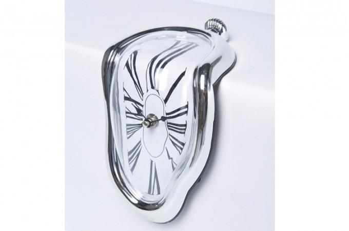 Horloge murale d form e sur table horloges design pas cher - Grande horloge murale design pas cher ...