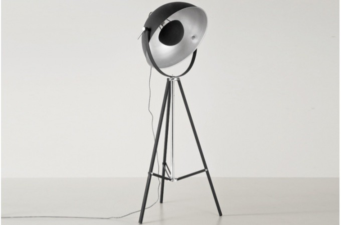Lampadaire design noir pluton lampadaire l gant declikdeco - Lampadaire interieur design ...