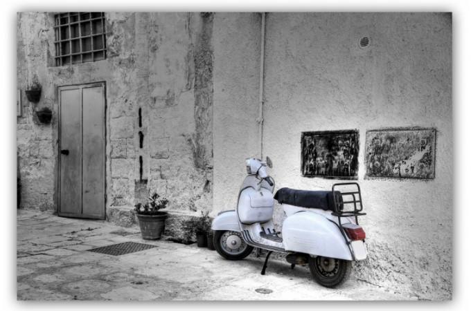 tableau vintage vespa blanc 80x55 cm tableaux atelier aviator pas cher. Black Bedroom Furniture Sets. Home Design Ideas