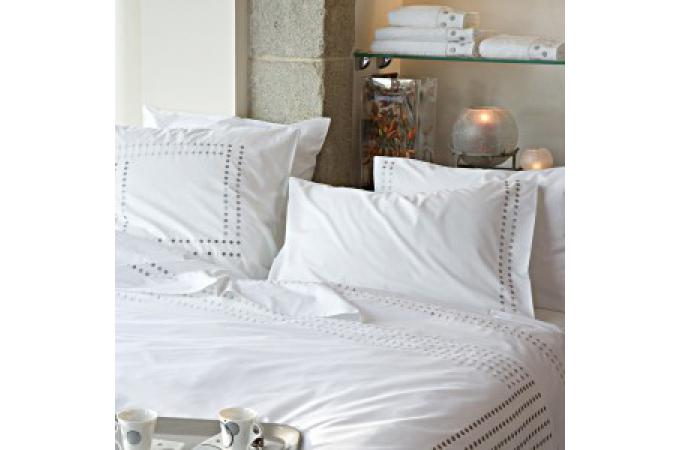 housse de couette percale de coton brod e 140x200 venezia. Black Bedroom Furniture Sets. Home Design Ideas