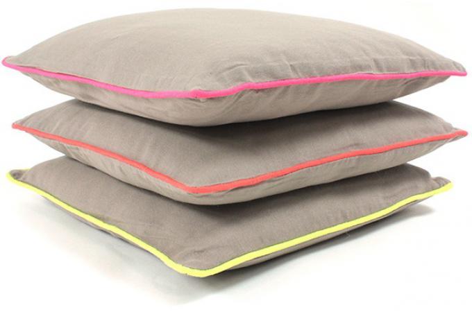 lot de 2 coussins d houssables beige 40x40 today rose coussin pas cher. Black Bedroom Furniture Sets. Home Design Ideas