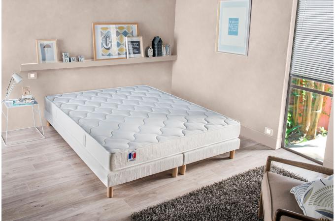 ensemble matelas latex et mousse 25kg m3 2 faces cm 140x190 cm et sommier tapissier. Black Bedroom Furniture Sets. Home Design Ideas