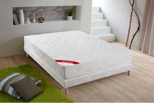 ensemble matelas mousse 25kg m3 ferme cm 140x190 cm et sommier tapissier matelass 140x190. Black Bedroom Furniture Sets. Home Design Ideas