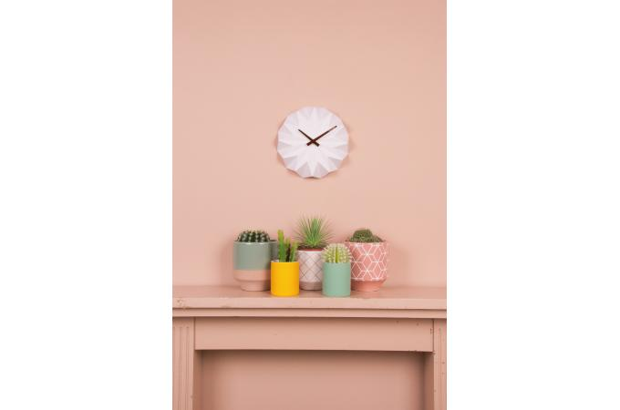 Horloge murale style origami blanche himalia horloge design pas cher for Horloge blanche design