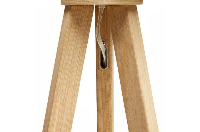 lampadaire tr pied grise pi tement bois noir trivaga. Black Bedroom Furniture Sets. Home Design Ideas