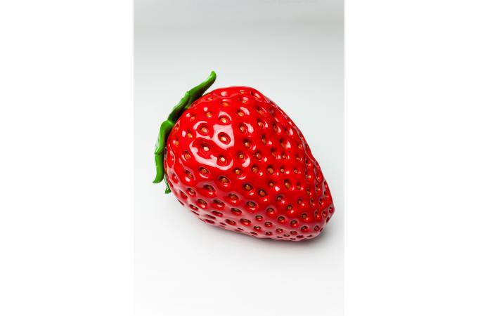 Objet d coratif strawberry statue design pas cher for Objet deco design rouge