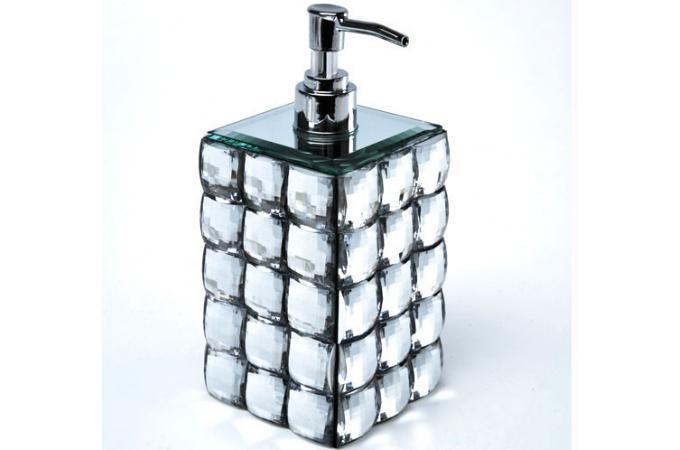 Set accessoires salle de bain diamond salle de bain pas cher for Accessoire salle de bain design
