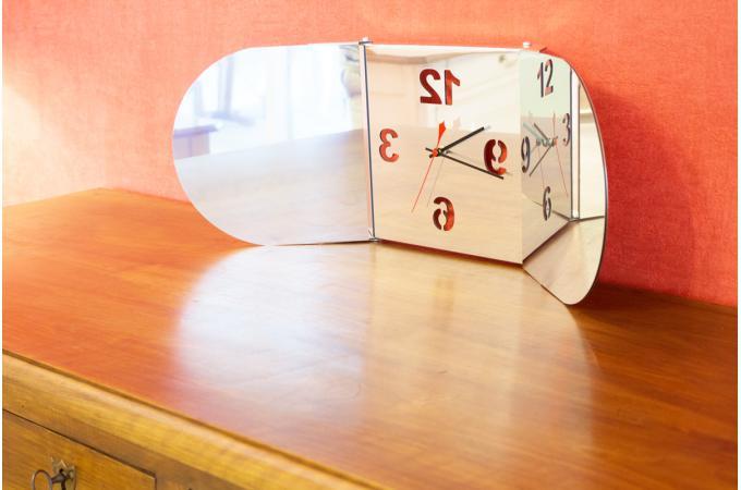 horloge triptyque miroir bulle horloge design pas cher. Black Bedroom Furniture Sets. Home Design Ideas